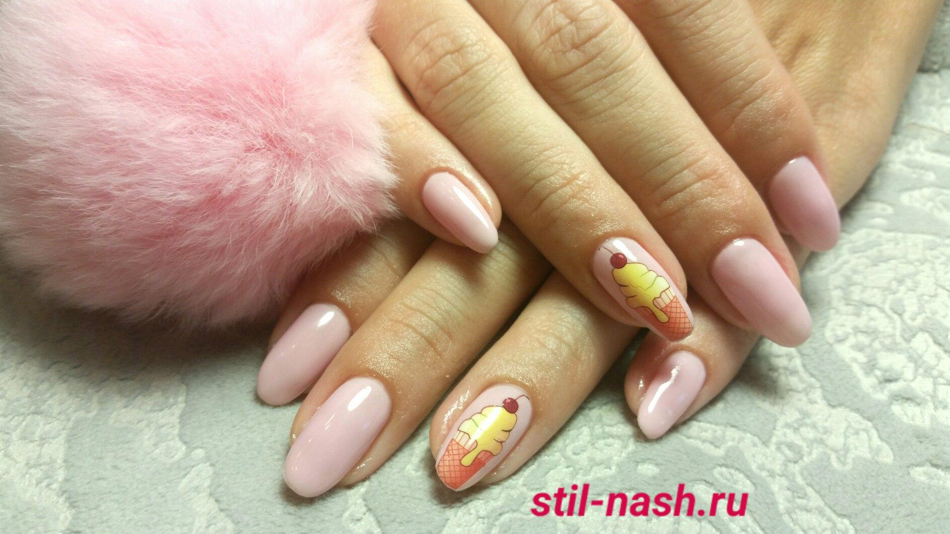 Маникюр с нежно розовым и нежно желтым